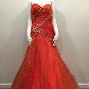 Tony Bowls Le Gala prom dress
